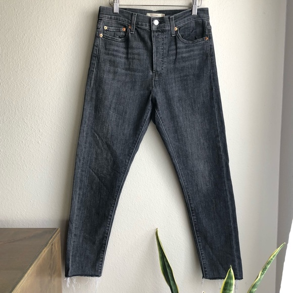 LEVI'S Black Wedgie Skinny Size 29